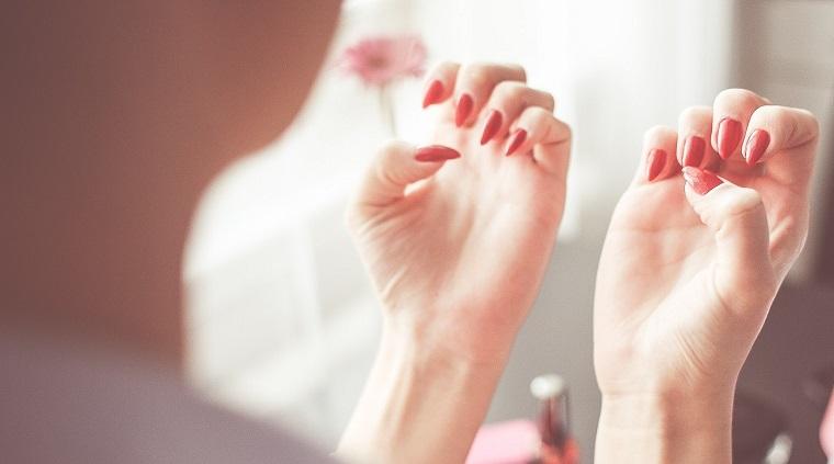 カラー剤 爪